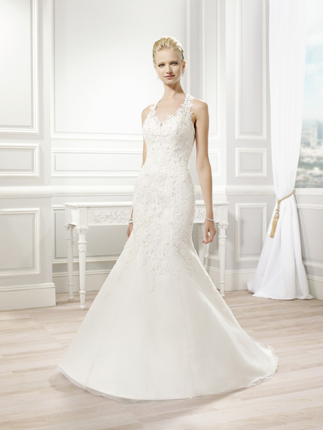 J6345 gown from the 2015 Moonlight : Collection collection, as seen on Bride.Canada