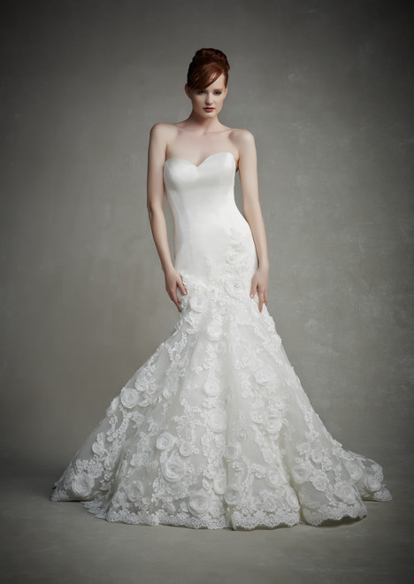 Jennifer gown from the 2015 Enzoani collection, as seen on Bride.Canada