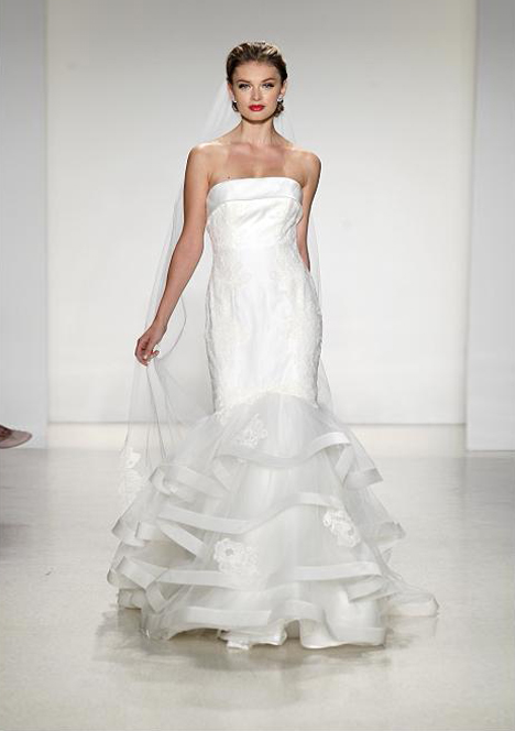 Paris gown from the 2015 Anne Barge collection, as seen on Bride.Canada