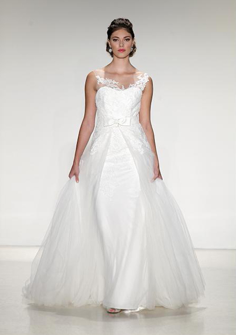 Strasbourg gown from the 2015 Anne Barge collection, as seen on Bride.Canada