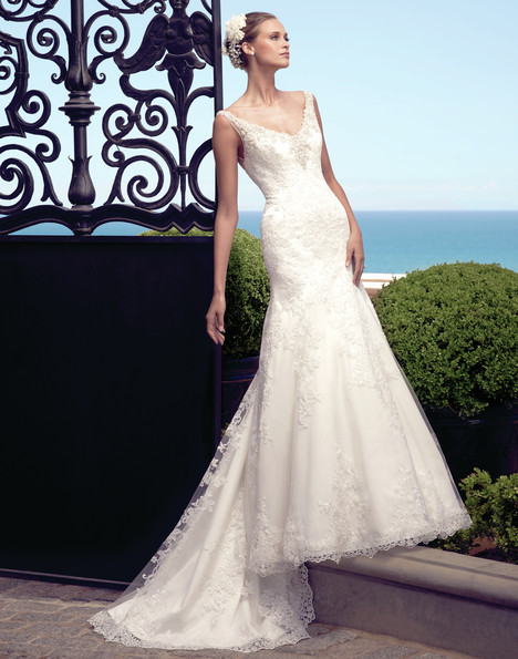 2190 gown from the 2015 Casablanca Bridal collection, as seen on Bride.Canada