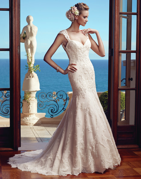 2195 gown from the 2015 Casablanca Bridal collection, as seen on Bride.Canada