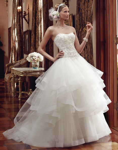 2199 gown from the 2015 Casablanca Bridal collection, as seen on Bride.Canada