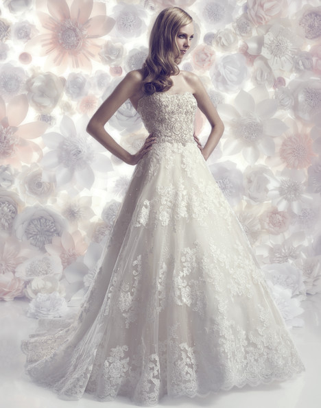 B098 gown from the 2015 Amare collection, as seen on Bride.Canada