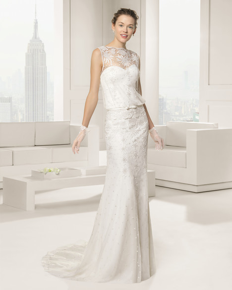 Sanlucar gown from the 2015 Rosa Clara Couture collection, as seen on Bride.Canada