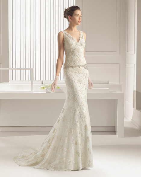 Santander gown from the 2015 Rosa Clara Couture collection, as seen on Bride.Canada