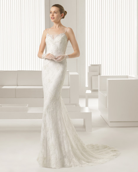 Simone gown from the 2015 Rosa Clara Couture collection, as seen on Bride.Canada