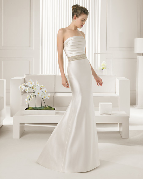 Sevilla gown from the 2015 Rosa Clara Couture collection, as seen on Bride.Canada