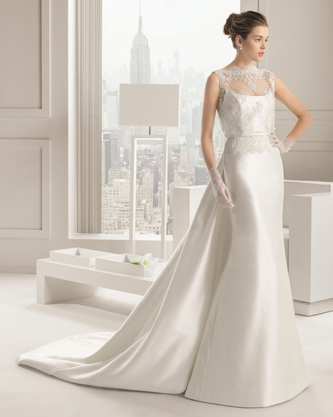 Sandra gown from the 2015 Rosa Clara Couture collection, as seen on Bride.Canada