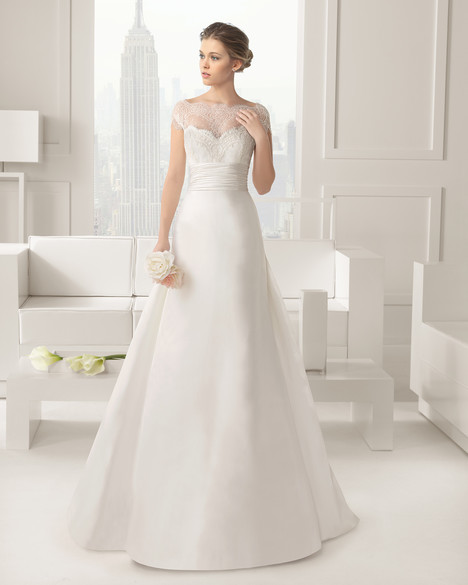 Carisma (2) gown from the 2015 Rosa Clara Couture collection, as seen on Bride.Canada