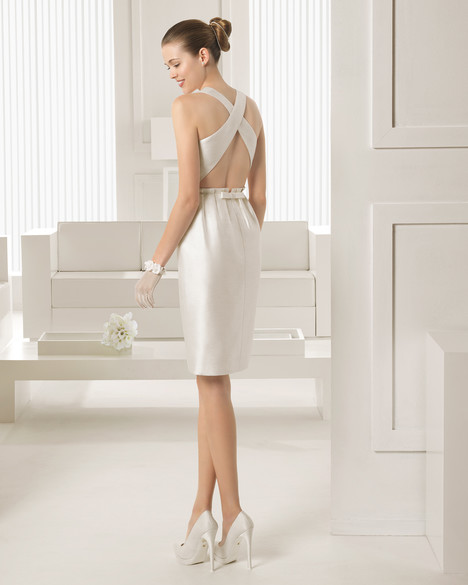 Sintesis (short) gown from the 2015 Rosa Clara Couture collection, as seen on Bride.Canada