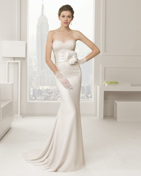Sabia gown from the 2015 Rosa Clara Couture collection, as seen on Bride.Canada