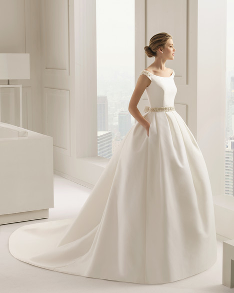 Samara gown from the 2015 Rosa Clara Couture collection, as seen on Bride.Canada