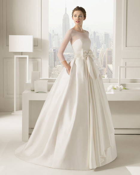 Segovia gown from the 2015 Rosa Clara Couture collection, as seen on Bride.Canada