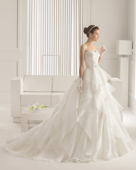 Serenata gown from the 2015 Rosa Clara Couture collection, as seen on Bride.Canada