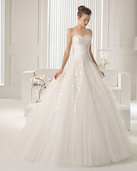 Sheila gown from the 2015 Rosa Clara Couture collection, as seen on Bride.Canada