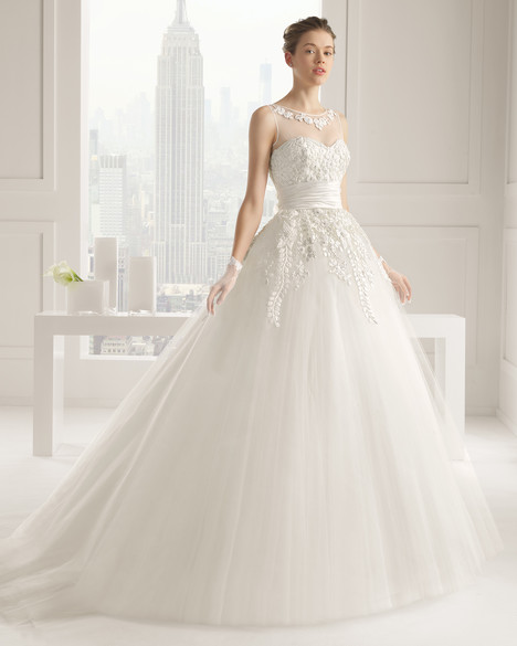 Salina gown from the 2015 Rosa Clara Couture collection, as seen on Bride.Canada