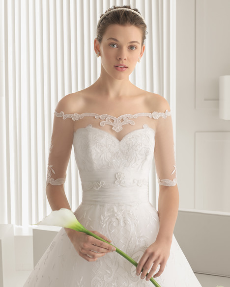 Sicilia + Jacket gown from the 2015 Rosa Clara Couture collection, as seen on Bride.Canada
