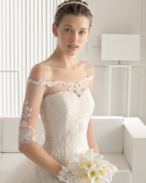 Sibyl + Jacket gown from the 2015 Rosa Clara Couture collection, as seen on Bride.Canada