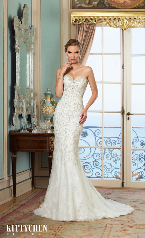 Elsa gown from the 2015 KittyChen Couture collection, as seen on Bride.Canada