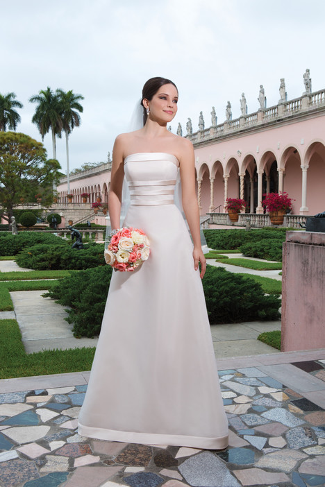 6062 gown from the 2015 Sweetheart collection, as seen on Bride.Canada