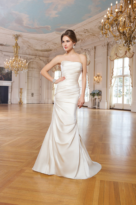 6275 gown from the 2015 Lillian West collection, as seen on Bride.Canada