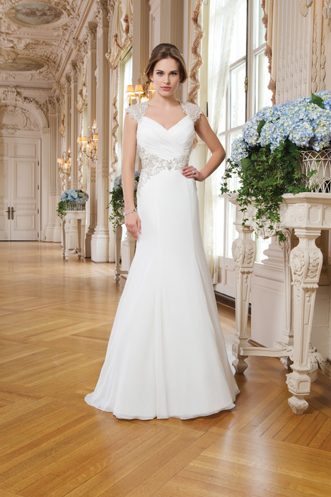 6340 gown from the 2015 Lillian West collection, as seen on Bride.Canada