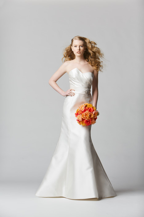 Avenza gown from the 2014 Wtoo Brides collection, as seen on Bride.Canada