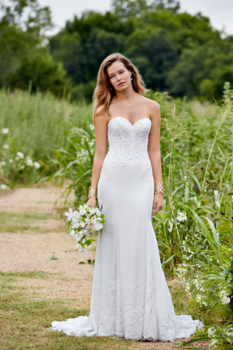 Guinevere gown from the 2015 Watters: Willowby collection, as seen on Bride.Canada