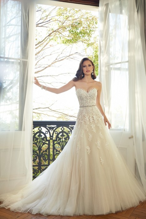 Prinia (Y11552) gown from the 2015 Sophia Tolli collection, as seen on Bride.Canada