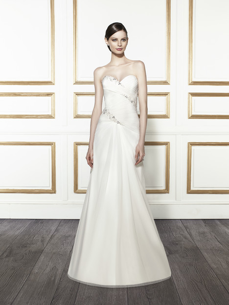 T680 gown from the 2015 Moonlight : Tango collection, as seen on Bride.Canada