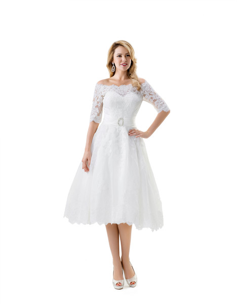VN6856 gown from the 2015 Venus Bridal collection, as seen on Bride.Canada