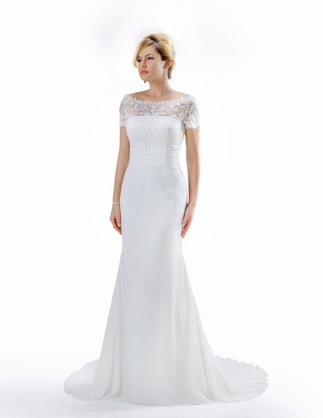 VE8700 gown from the 2015 Venus Bridal collection, as seen on Bride.Canada