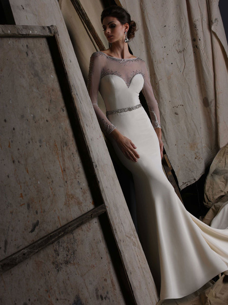 VH191 gown from the 2015 Victor Harper collection, as seen on Bride.Canada