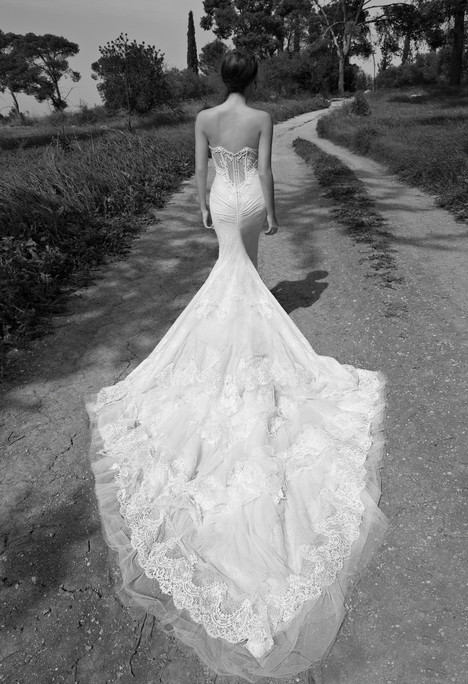 BR-13-23 (back) gown from the 2013 Inbal Dror collection, as seen on Bride.Canada