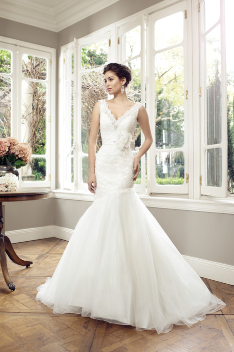 M1425Z gown from the 2014 Mia Solano collection, as seen on Bride.Canada