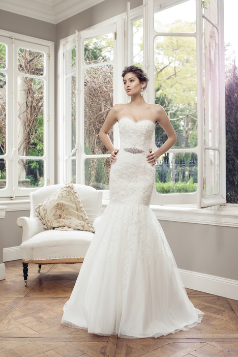 M1432L gown from the 2014 Mia Solano collection, as seen on Bride.Canada