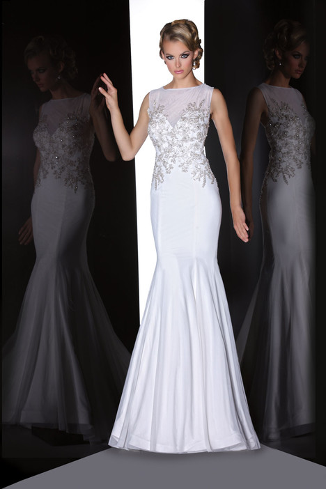 90200 gown from the 2015 Simone Carvalli collection, as seen on Bride.Canada