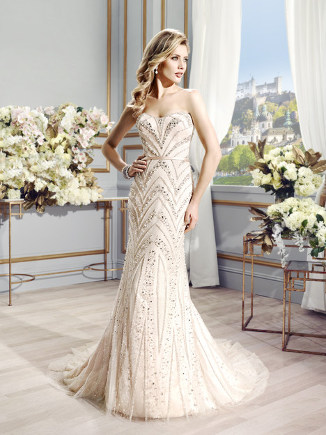 Elsie gown from the 2015 Val Stefani collection, as seen on Bride.Canada