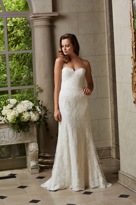 Michelle gown from the 2015 Wtoo Brides collection, as seen on Bride.Canada