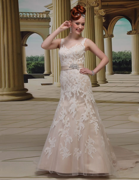 VE8669 gown from the 2014 Venus Bridal collection, as seen on Bride.Canada