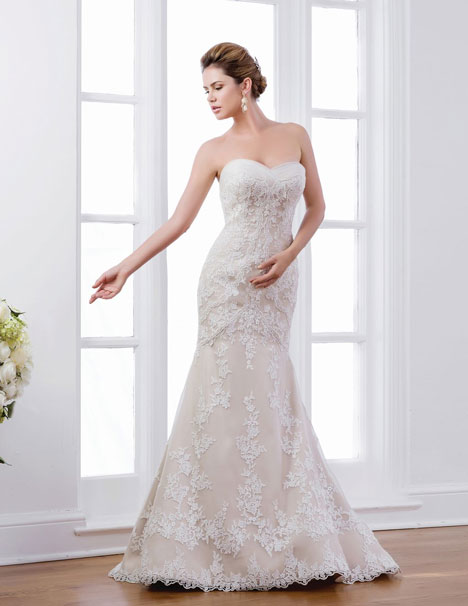 VE8187 gown from the 2014 Venus Bridal collection, as seen on Bride.Canada