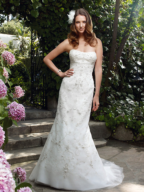 2028 gown from the 2011 Casablanca Bridal collection, as seen on Bride.Canada