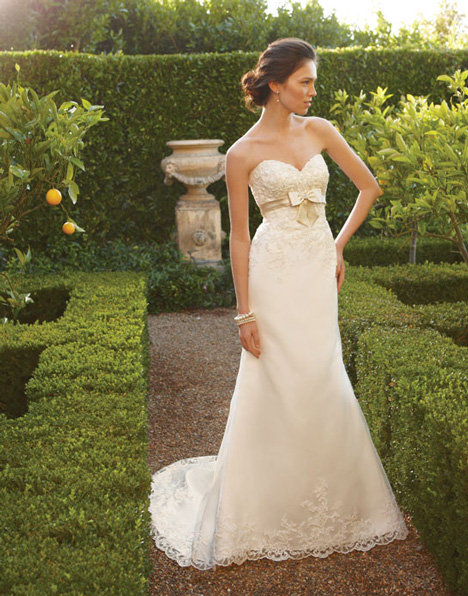 2046 gown from the 2011 Casablanca Bridal collection, as seen on Bride.Canada