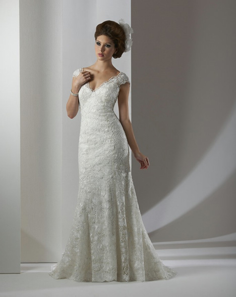 8305 gown from the 2013 Bonny Bridal collection, as seen on Bride.Canada