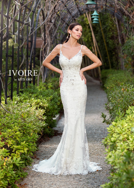 Marissa gown from the 2016 Ivoire by Kitty Chen collection, as seen on Bride.Canada