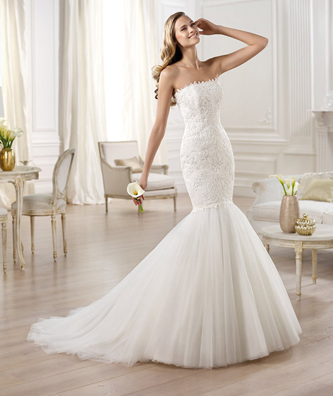Ona gown from the 2014 Pronovias collection, as seen on Bride.Canada