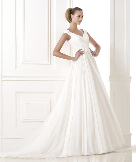 Beluga gown from the 2015 Pronovias collection, as seen on Bride.Canada