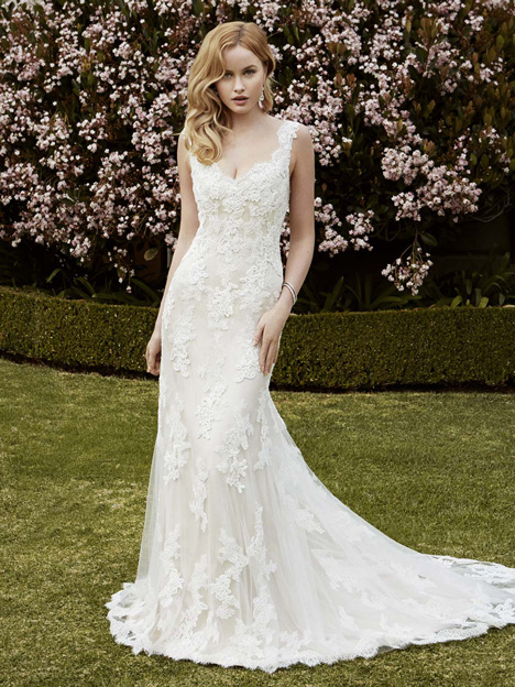 Ingram gown from the 2016 Blue by Enzoani collection, as seen on Bride.Canada