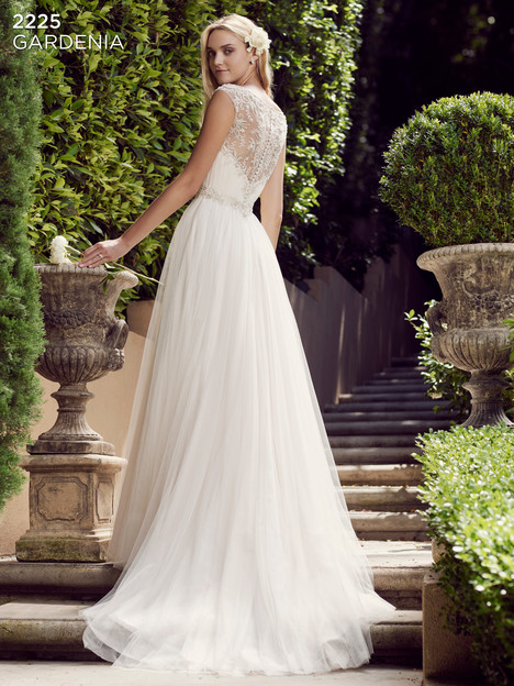 Gardenia (2) gown from the 2016 Casablanca Bridal collection, as seen on Bride.Canada